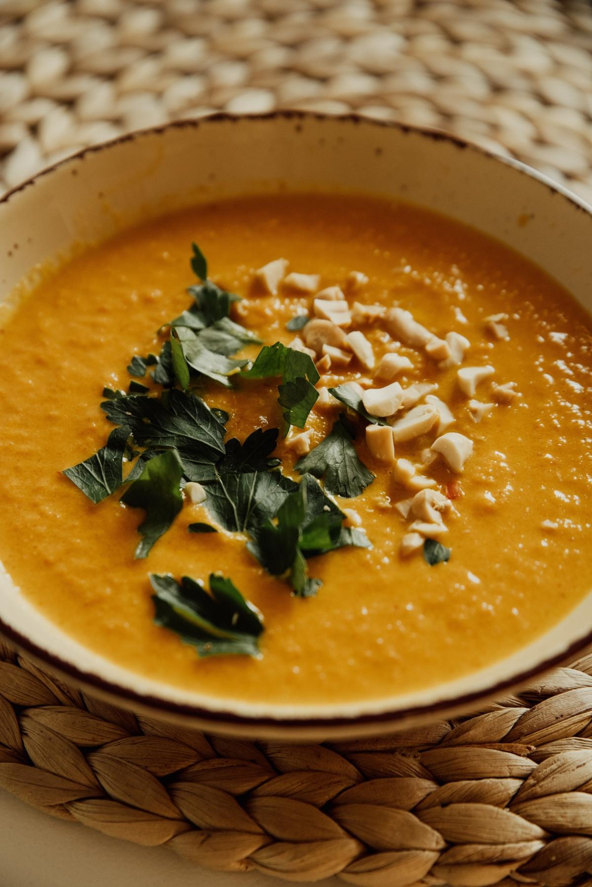 Sopa cremosa de grão-de-bico